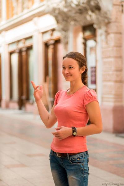 Экскурсоводы-и-гиды-Одессы-Дарья-Пожарская-экскурсии-по-Одессе-на-электромобилях