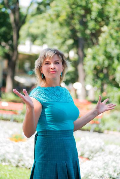 Экскурсоводы-и-гиды-Одессы-Наталия-Валерьевна-экскурсии-по-Одессе-на-электромобилях